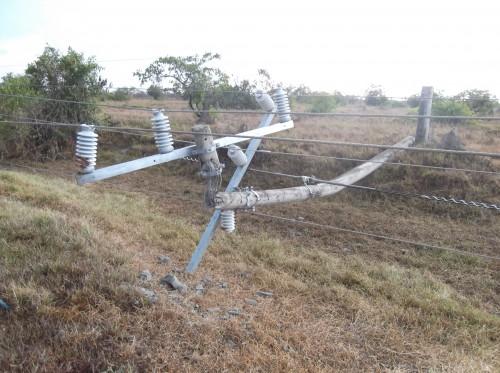 Vendaval causó  estragos en estructuras de energíaeléctrica