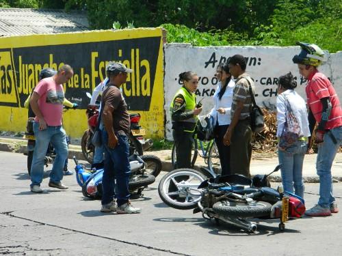 A la problemática del mototaxismo le apuestan coneducación