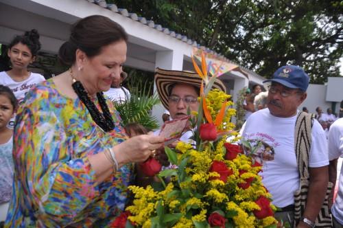 """Abuelos de """"Años Dorados"""" celebraron el cumpleaños de la Primera Damadepartamental"""