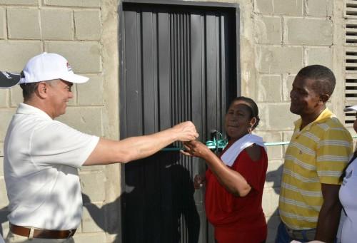 Alcalde entregó viviendas en Guacoche y LosCorazones