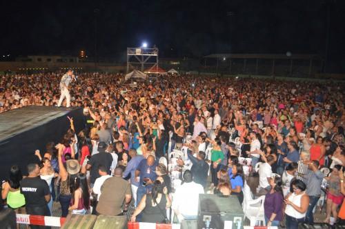 """Jorge Celedón realizó un concierto """"insuperable"""" enAruba"""