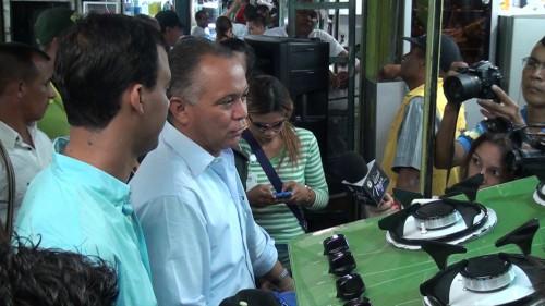 Fredys Socarras recorre calles del centro de Valledupar evaluando decreto amototaxistas
