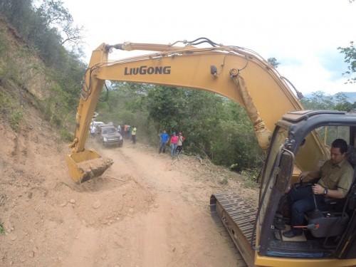 Comenzó pavimentación de la vía Curumaní – ElTigre