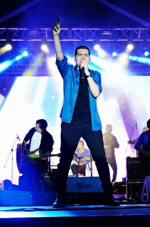 """Video: Peter Manjarrés invita a recomendar canciones para """"Sólo Clásicos """" VolumenII"""