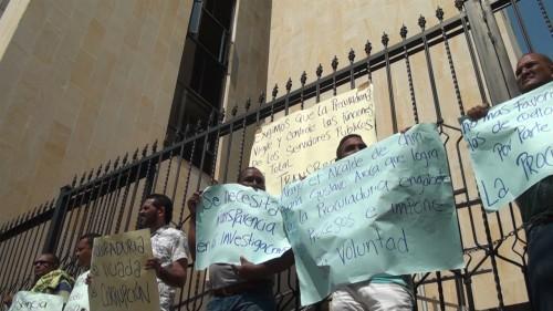 Siete concejales de Chiriguaná se encadenan en la Procuraduría provincial deValledupar