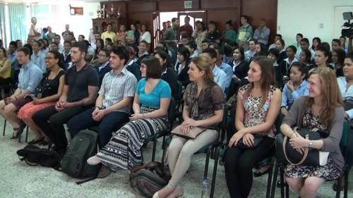 Sena presentó voluntarios extranjeros para fortalecer aprendizaje delingles