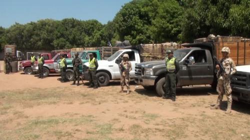 El Ejército y la Policía inmovilizaron ocho vehículos que contenían 7 mil 800 galones decombustible