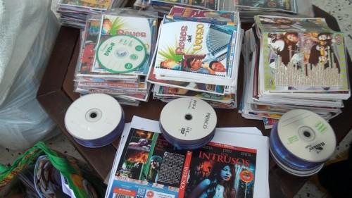 Desmantelada fabrica que producía diariamente 1950 CDs y DVDpiratas