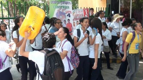 Estudiantes de enfermería de la U P C reclaman acreditación de lafacultad