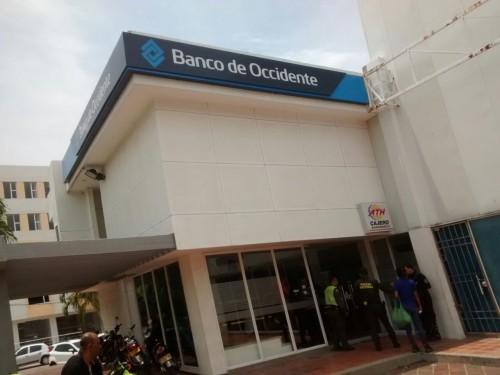 Dos delincuentes heridos tras persecución policial por atraco a entidad bancaria enValledupar