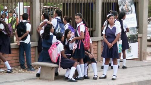 Colegios realizan ajuste al horario escolar, ahora son 60 minutos porclase