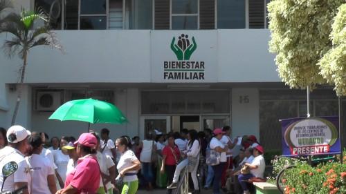 En Valledupar madres comunitarias se unieron a protestanacional