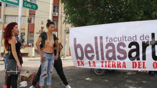 Estudiantes de Bellas Artes protestaron de manera artística por falta deapoyo