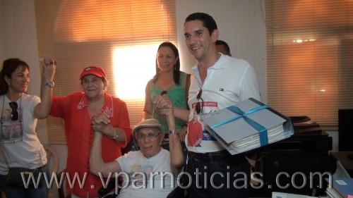 """Pedro Castro se inscribió a la Alcaldía de Valledupar con """"Energía vallenata"""""""