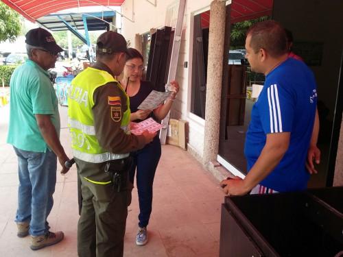 Policía adelanta campañas de seguridad en establecimientos comerciales