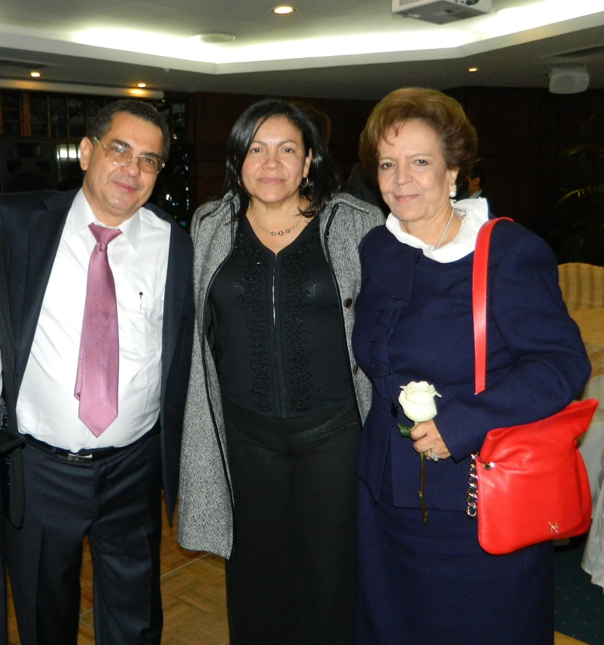 Dr Rafael Valle Oñate con Josefina Valle de Pumarejo, Victoria Valle Oñate