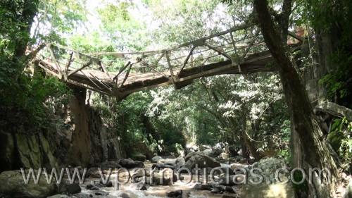 Firman contrato para nuevo puente en la vía a PuebloBello