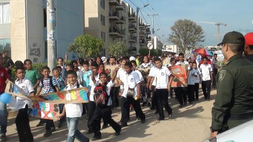 Más de mil niños marcharon en jornada de prevención contra el consumo dealucinógenos