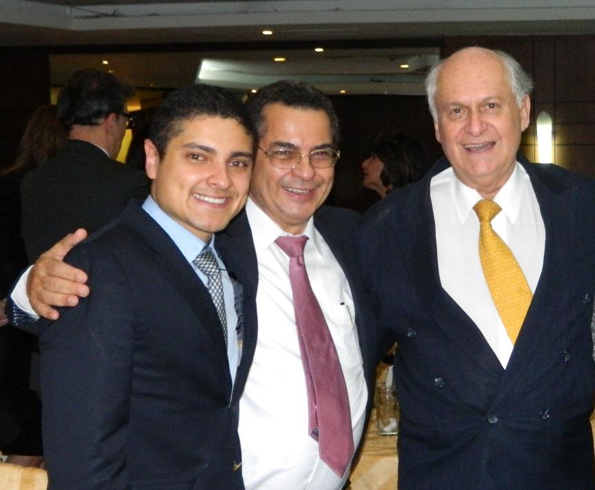"Crearon premio latinoamericano de Medicina ""Rafael ValleMeza"""