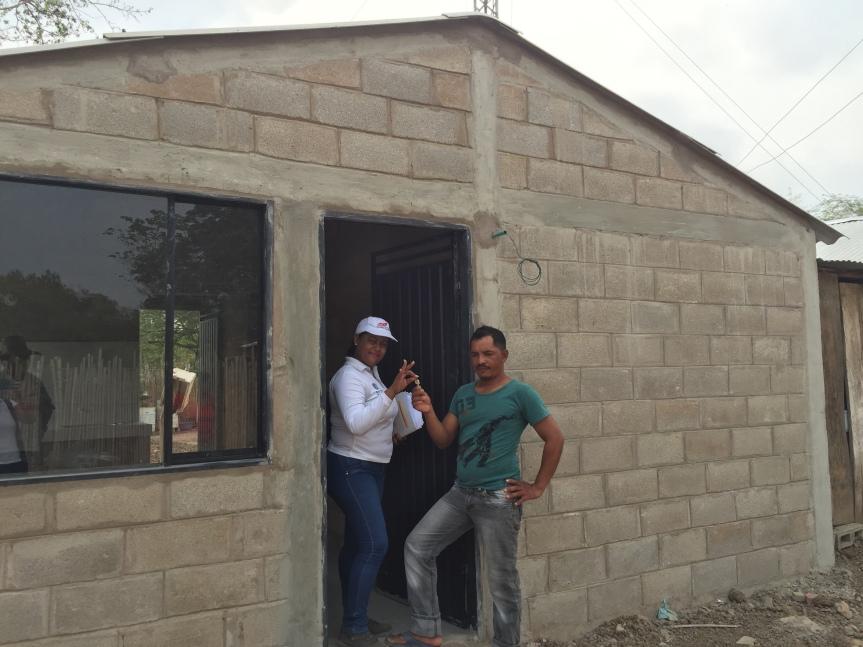 Comfacesar y Banco Agrario entregaron viviendas en Chimichagua yAstrea