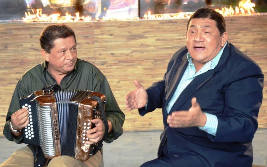 Poncho y Emiliano, hermanitos delalma