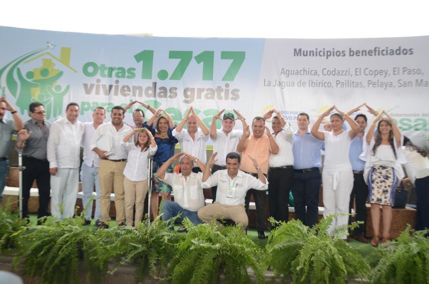 Gobernador y 8 alcaldes firmaron convenios por $87 mil millones para viviendasgratis