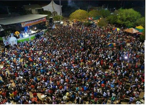 """Fueron coronados los reyes del  XXVI Festival de canciones """"Samuel Martínez"""" de La Loma,Cesar"""