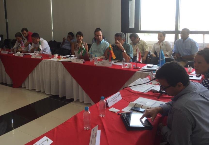 Gobierno del Cesar consiguió recursos en OCAD Regional para adquirir 17ambulancias