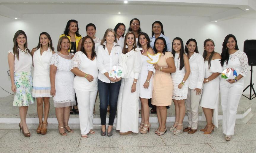 """Primera Dama de la Nación lideró conversatorio """"Paz por la primera infancia"""" enValledupar"""