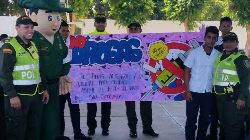Policía del Cesar adelanta campaña para prevenir y erradicar la drogadicción enValledupar