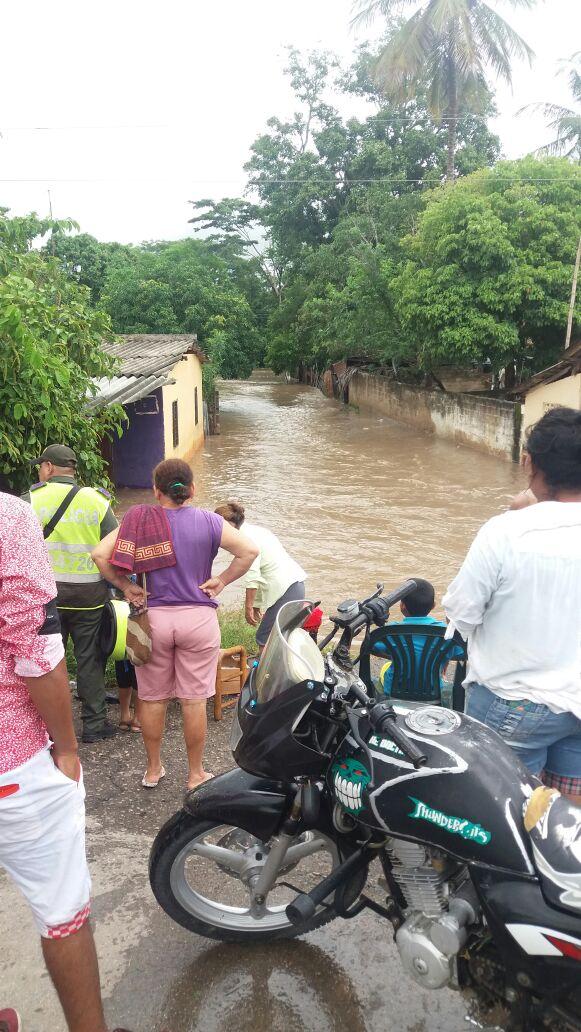PoliciaCesar asistió a afectados por coletazo del huracánMatthew