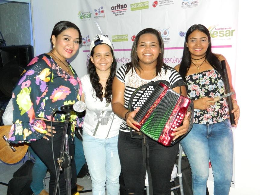 Primer Festival Vallenato Femenino en la plaza AlfonsoLópez