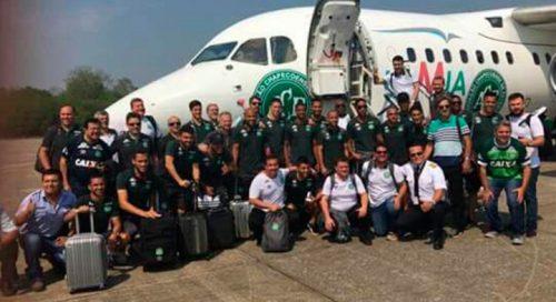 Avión en el que viajaba el equipo Chapecoense de Brasil deja 76 personas muertas y 5sobrevivientes