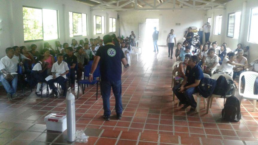 Kankuamos recibieron equipos de primeros auxilios y capacitación sobre medidas deemergencia