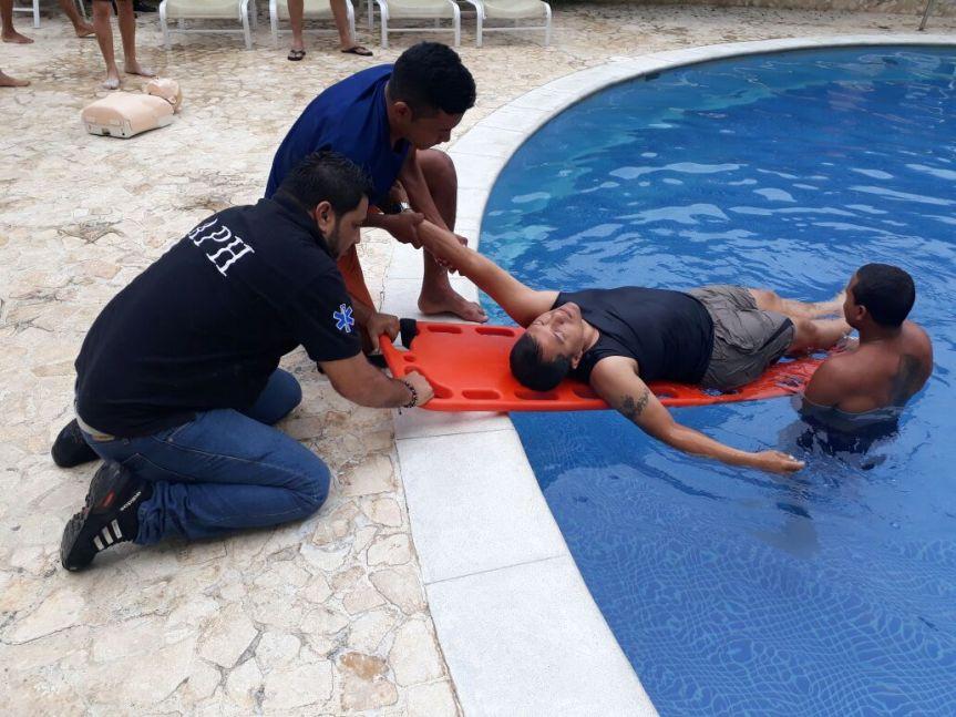 CRUE Cesar brinda entrenamiento a salvavidas de hoteles deValledupar