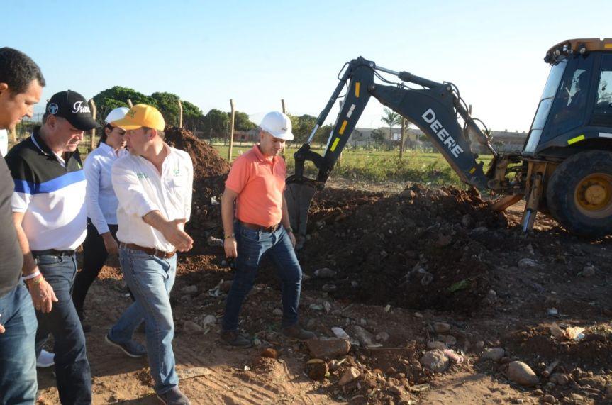 Gobernador Ovalle inicia pavimentación de nuevos tramos urbanos enValledupar