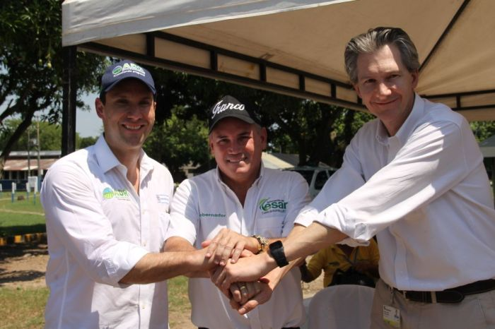el gobernador del Cesar el director gral de Corpoica y el director de ADR