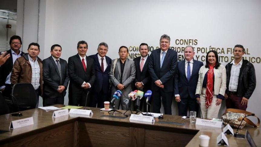 Ocad Paz aprobó 8 proyectos para mejoramiento de vías en 4departamentos