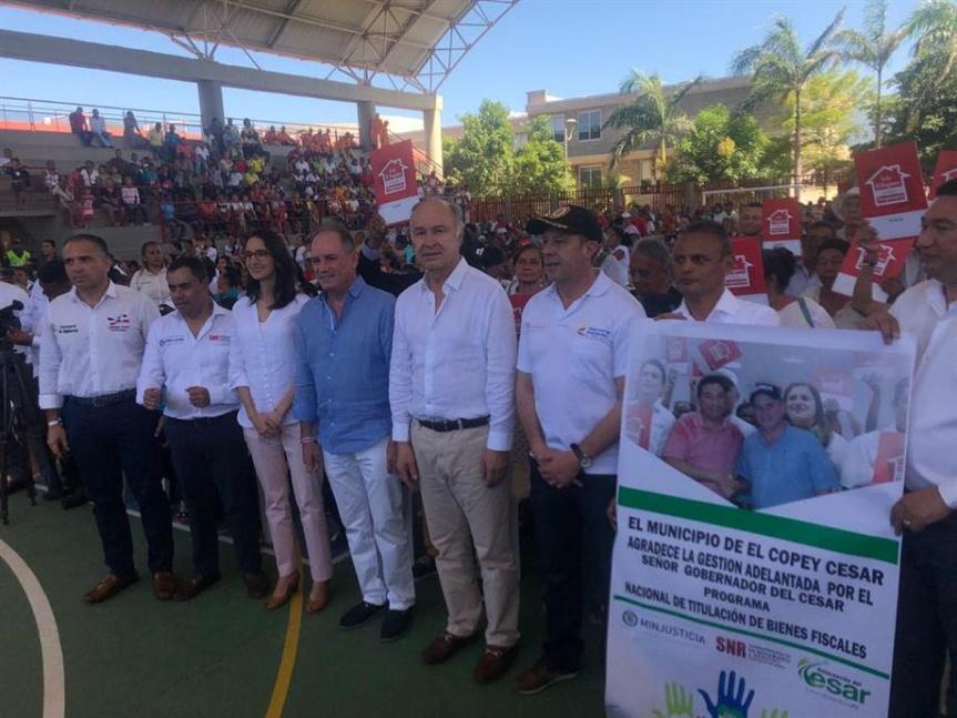 Gobierno entrega en el Cesar más de 2.700 títulos depropiedad