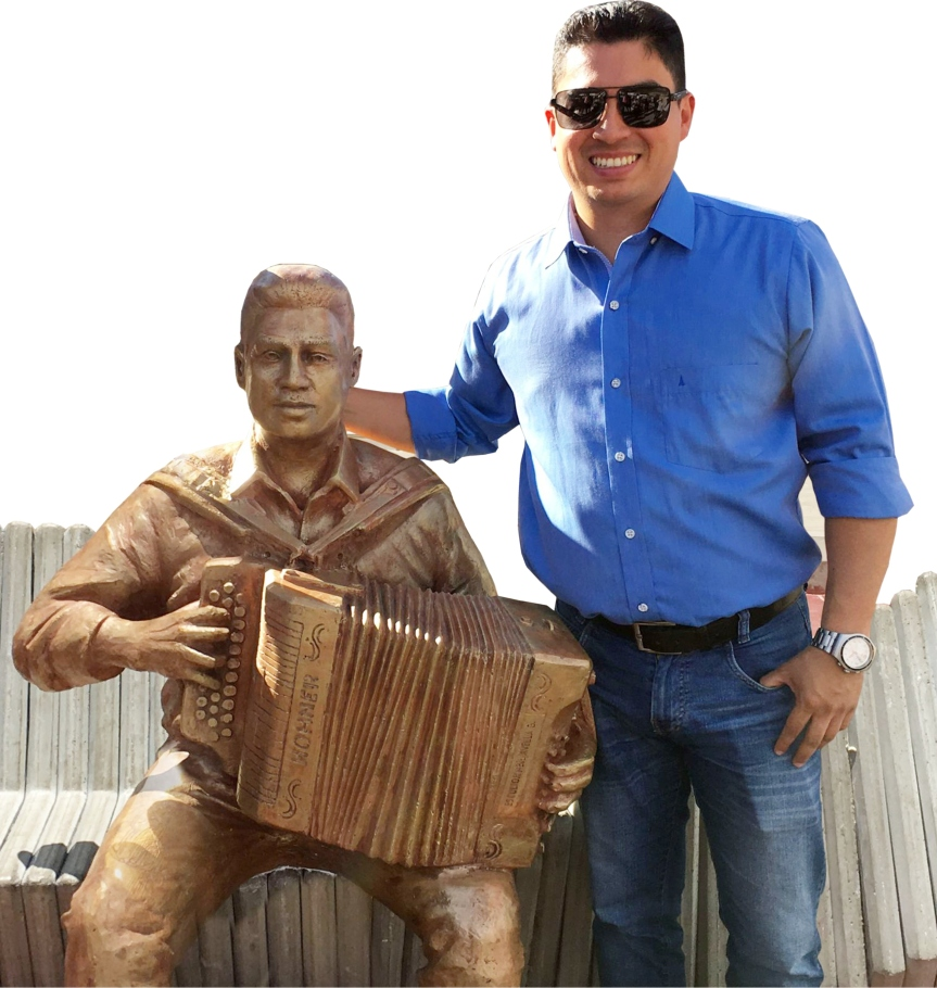 El Rey Vallenato Julián Mojica se ganó un monumento en su tierra Paz delRío