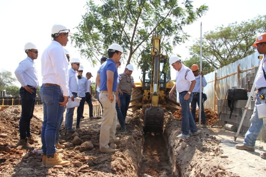 Gobernador inspecciona avance de obras enValledupar
