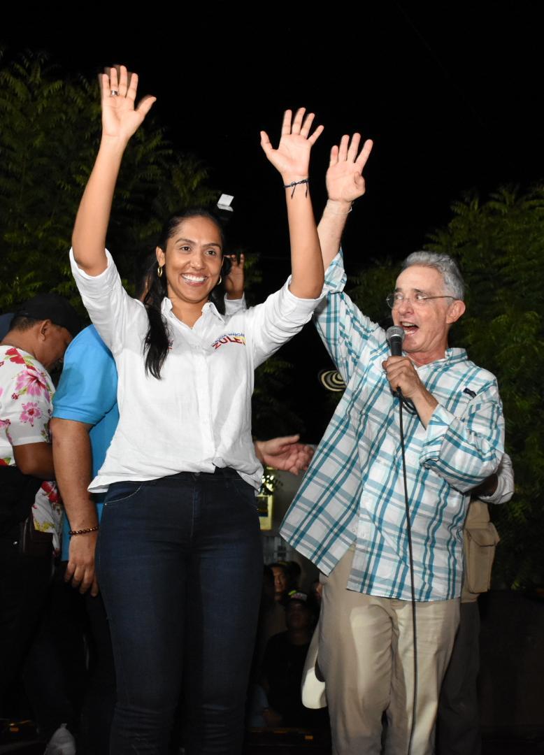 Periplo de Claudia Margarita por el Cesar en compañía de UribeVélez