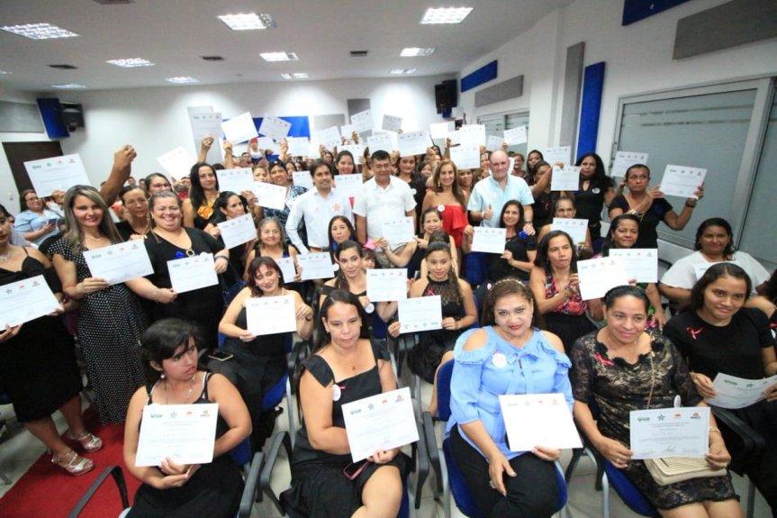 Gobernador Ovalle y alcalde de Aguachica graduaron a más de 200 estudiantes de la Casa Taller Beatriz García deVigna