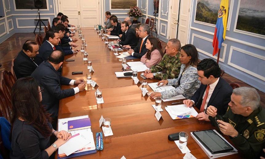 En ronda de trabajo con gobernadores, el Presidente reitera disposición de trabajar de la mano con lasregiones