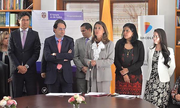 Gobierno lanza primer crédito exclusivo para mujeres microempresarias, a través deBancóldex