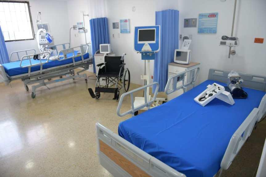 Gobernador Monsalvo inauguró 10 camas de UCI en el Hospital Rosario Pumarejo deLópez