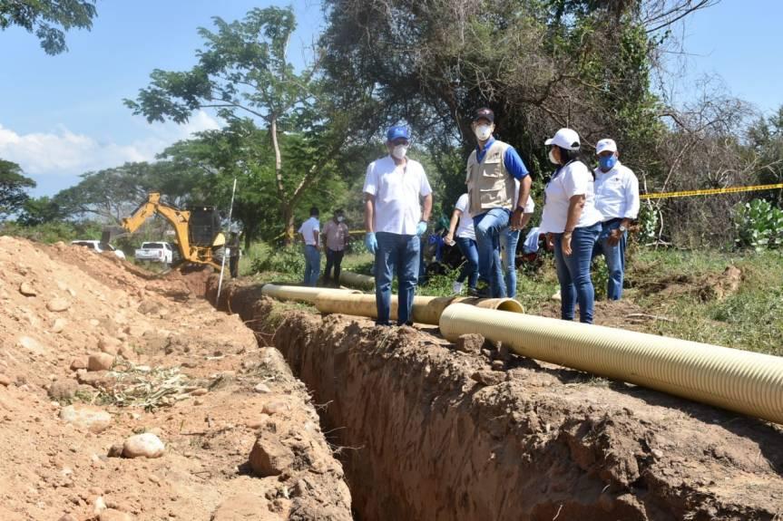 Emdupar instala tubería sanitaria para beneficiar familias trasladadas a la Urbanización elPorvenir