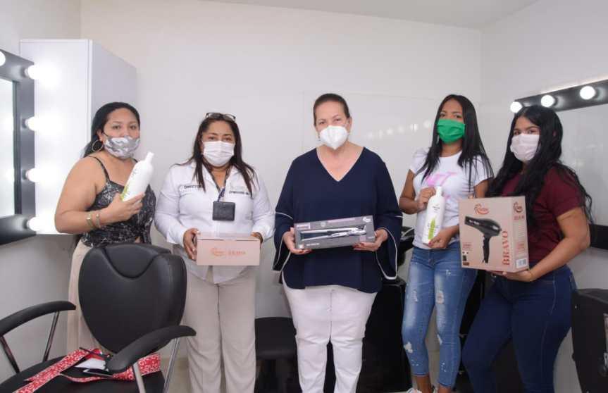 Gobierno del Cesar instaló en la Cárcel Judicial de Valledupar Centro de Belleza paramujeres