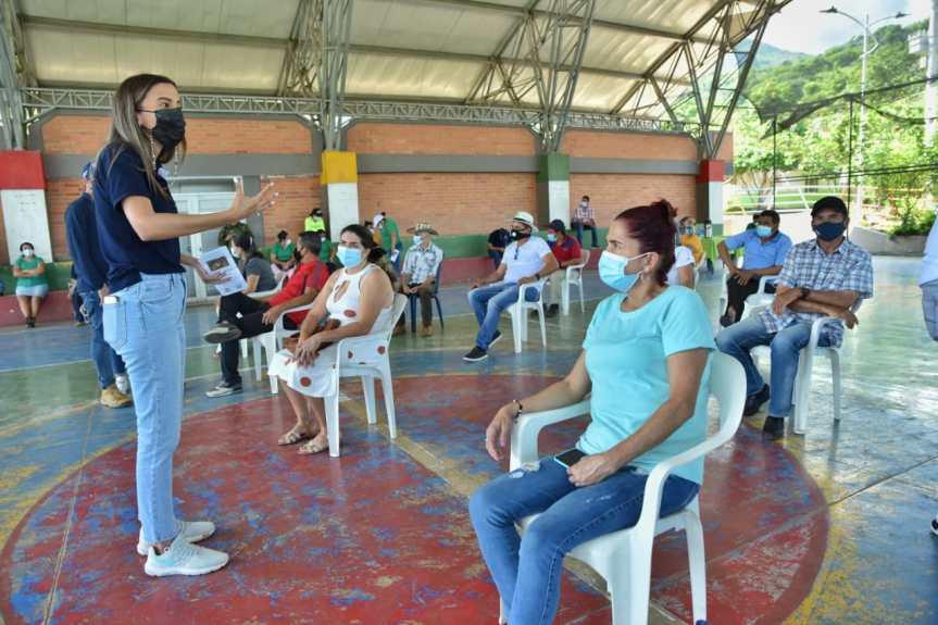Gobierno departamental lideró jornada de capacitación sobre el control del caracol africano en San José deOriente
