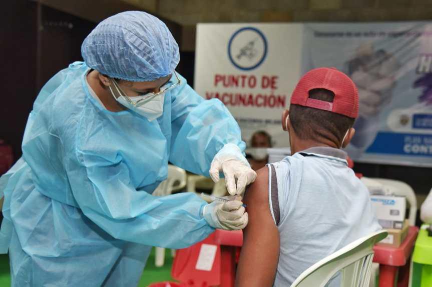 Inicia en Cesar vacunación contra Covid-19 para personas de 35 a 39años